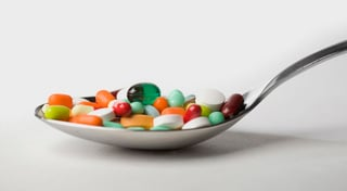 Groźne konsekwencje nadużywania suplementów diety