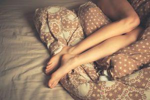 Przyczyny i objawy zespołu niespokojnych nóg