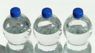 Dlaczego woda zatrzymuje się w organizmie?