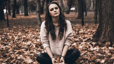 Dlaczego jesienią jesteśmy bardziej narażeni na depresję?