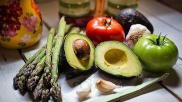Dieta ketogeniczna – na czym polega? Wady i zalety