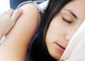 Długi sen - większe ryzyko udaru