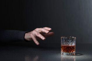 Wszywanie esperalu jako metoda walki z chorobą alkoholową