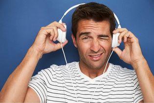 noszenie słuchawek