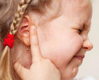 Najlepsze produkty na woskowinę w uszach